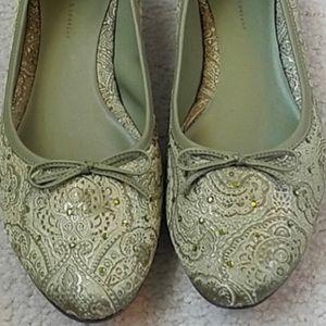 Green embroidered kitten heels size 9